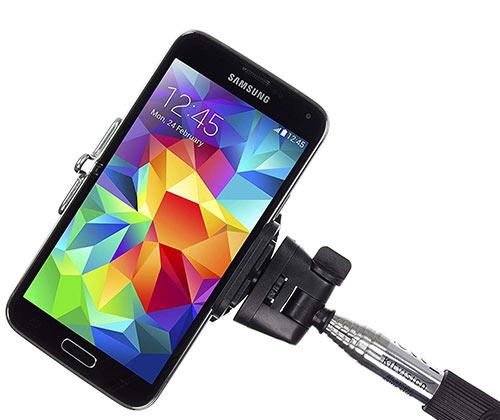 holiday, tech, technology, electronics, gadgets, travel, travel guide, tech travel guide, phone, smartphone, tablet, speaker, selfie stick, speaker
